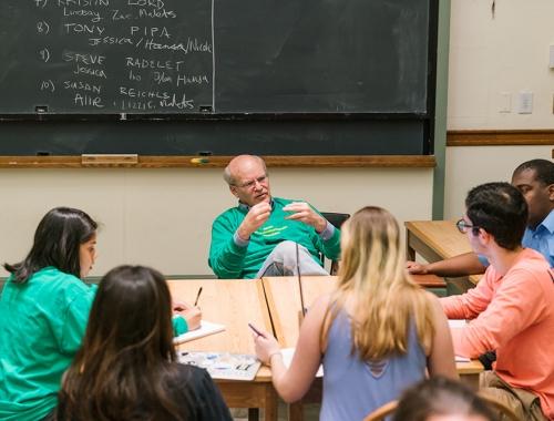Don Steinberg, Dickey Center Fellow, teaching a class.